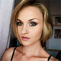 Визажист Алена Крохинова
